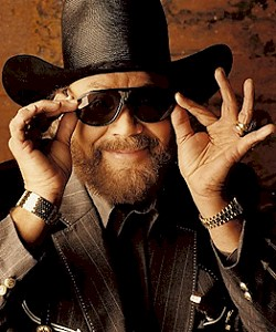 Hank Williams Jr. - Copyright by Curb Records