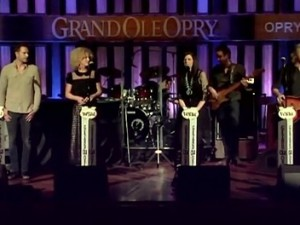Little Big Town - Girl Crush (Live, Grand Ole Opry, 2015)