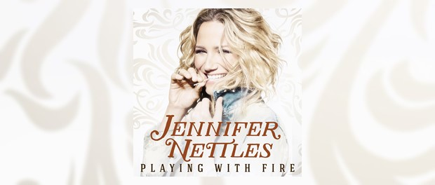 Jennifer Nettles (Playing With Fire)