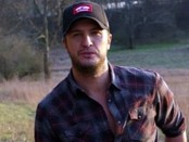 Luke Bryan (Huntin', Fishin' And Lovin' Every Day)