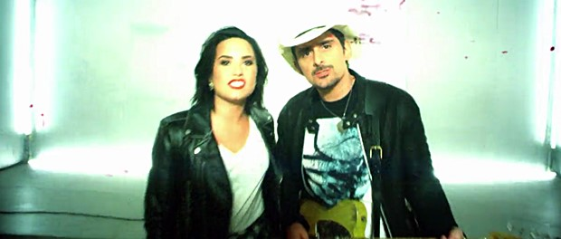 Brad Paisley & Demi Lovato - Without A Fight