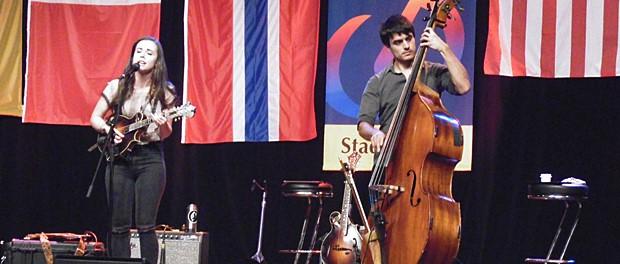 Sierra Hull beim Bühler Bluegrass Festival