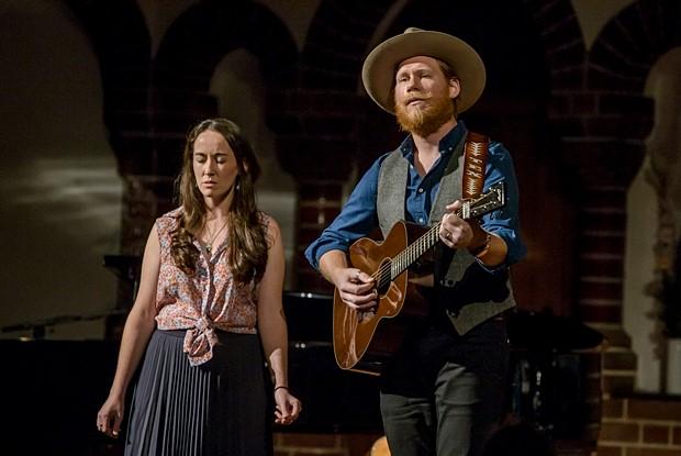 Claire Ward und Jarrod Dickenson-Live